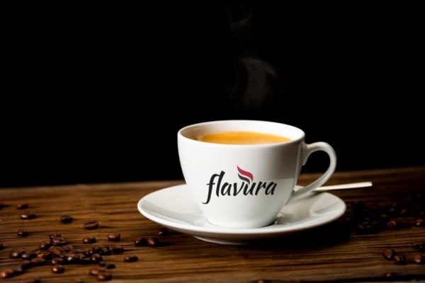 Flavura-Kaffee-Kaffeetasse-mit-Flavura-Logo-600BqEppjsK4CRpG